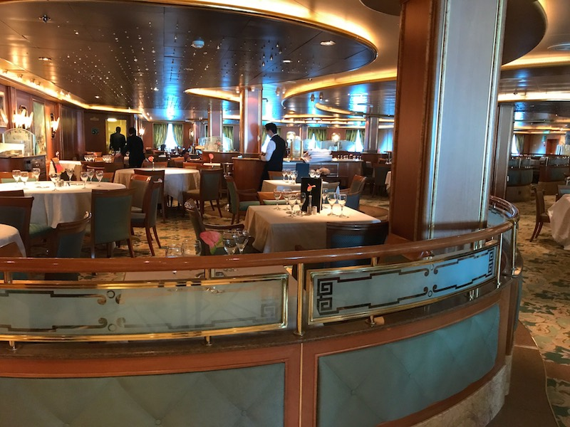 Star Princess cruise ship dining room