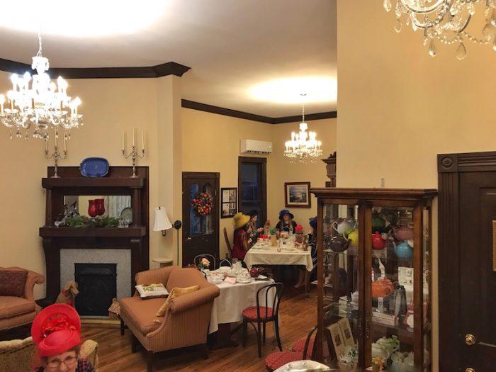 Tearoom at Columbiana Hearts Inn, Alabama