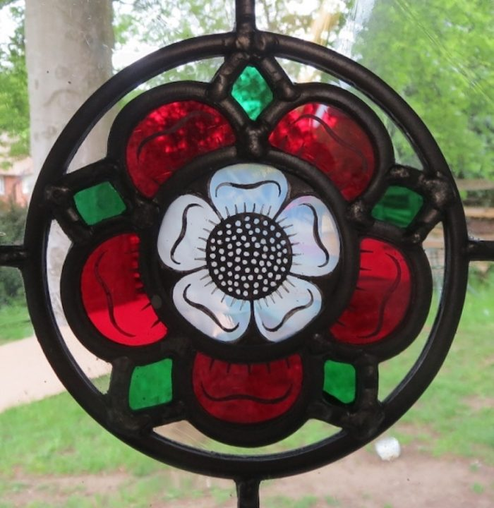 stained glass tudor rose by Abinger Stained Glass in Surrey, UK