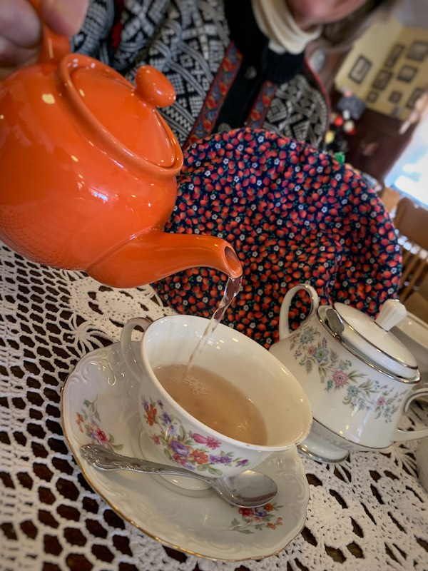 pouring tea at Burdett's Tea Shop and Trading Company in Springfield, TN