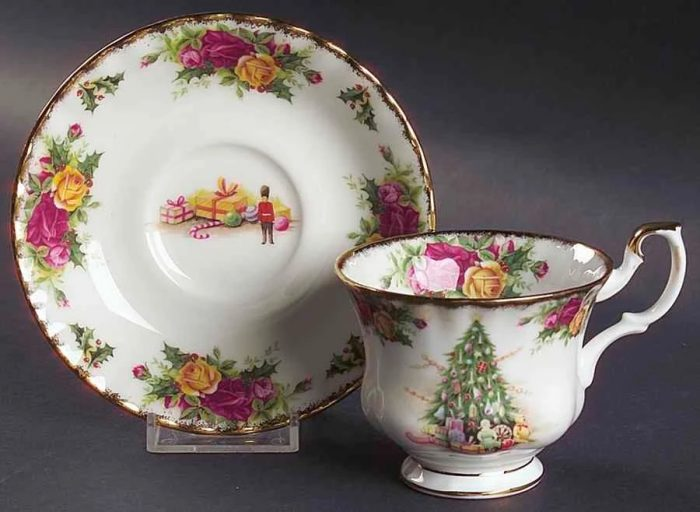 Royal Albert Christmas teacup and saucer from Replacements Ltd