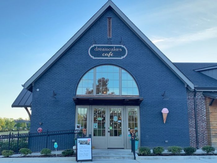 exterior Dreamcake Cafe in Hoover, AL for afternoon tea