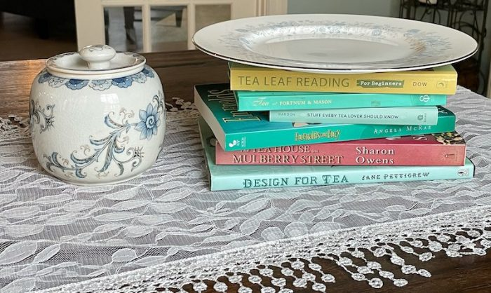 DIY cake stands with book stacks