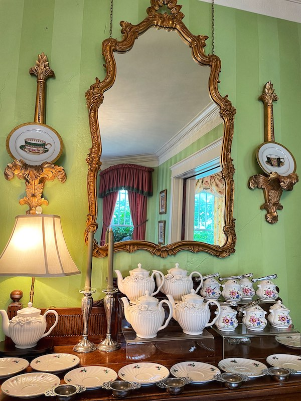 teapots waiting at afternoon tea at Chelsea's on Thornton in Dalton, GA