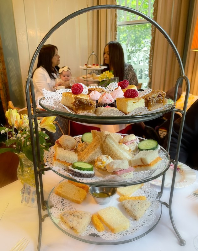 mothers and daughters at afternoon tea at Chelsea's on Thornton in Dalton, GA